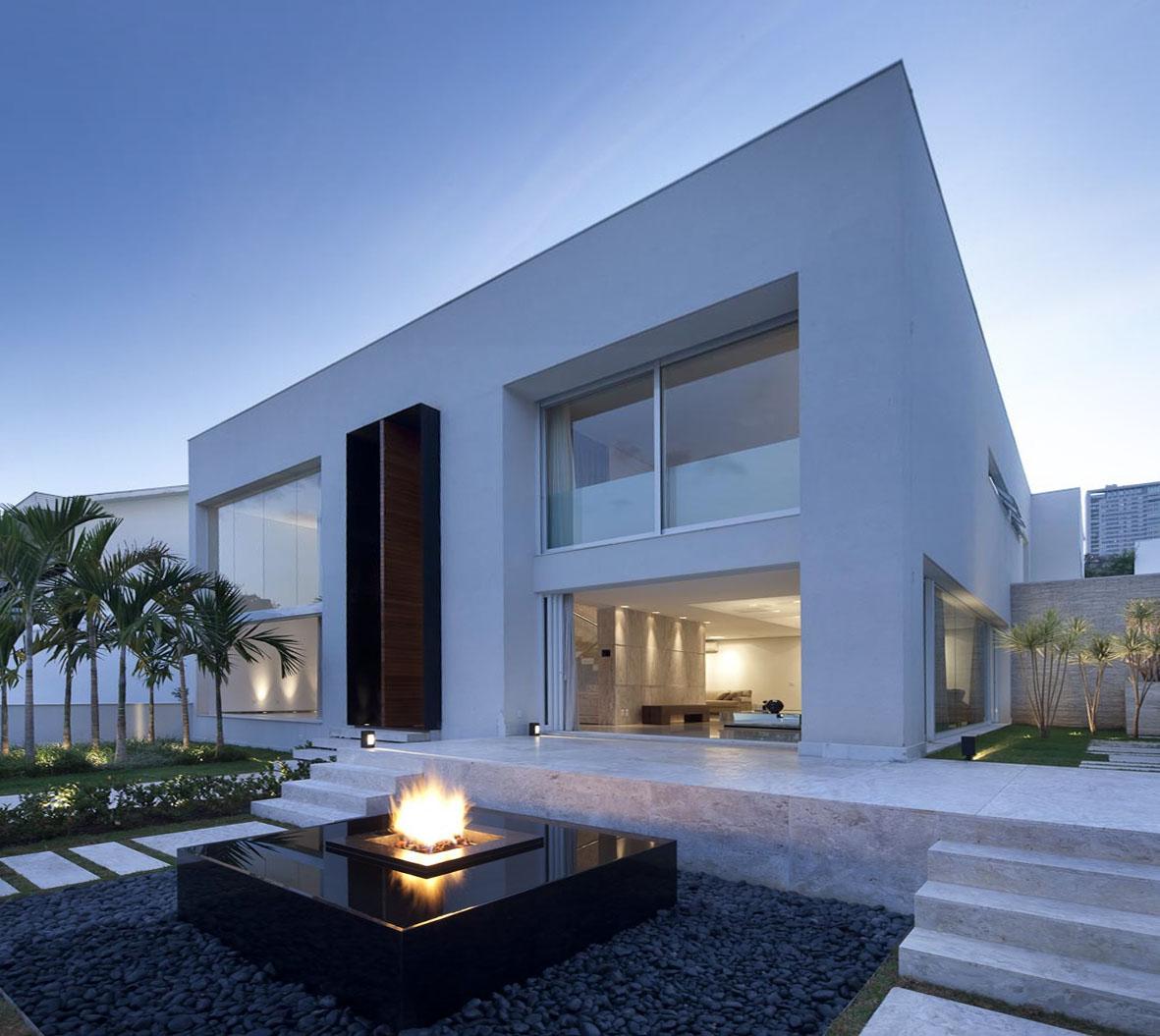 jardim vertical em belo horizonte:Casa em Belo Horizonte por Leonardo Rotsen