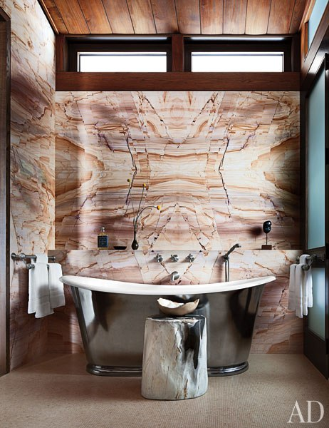 item10_rendition_slideshowWideVertical_studio-sofield-16-master-bath
