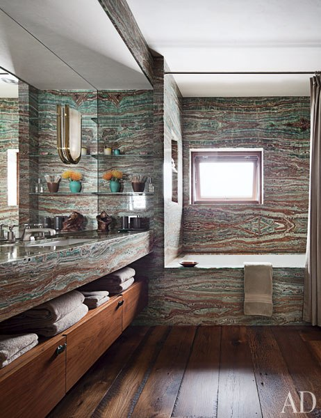 item15_rendition_slideshowWideVertical_studio-sofield-10-guest-bath